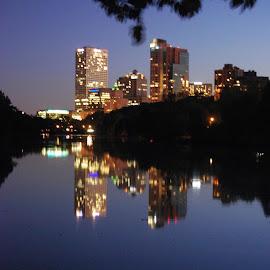 Milwaukee, WI by William Calteaux - City,  Street & Park  Skylines