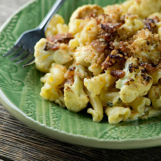 Pasta with Cauliflower and Bacon Sauce
