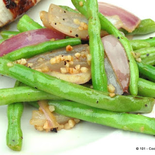 Grilled Cayenne Garlic Green Beans