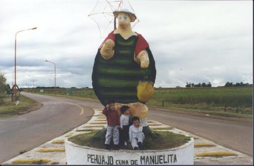 Estatua Manuelita
