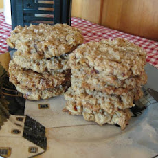 Date Oatmeal Cookies With Milk Chocolate Chips