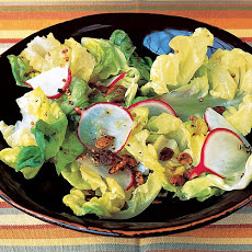 Salad with Radishes and Spicy Pumpkin Seeds