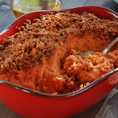 Irresistible Orange Sweet Potatoes with Almond Streusel