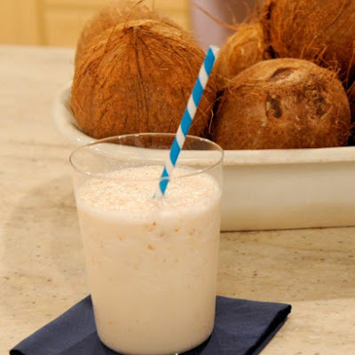 Coconut-Almond Smoothie