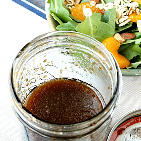 Mason Jar Balsamic Salad Dressing