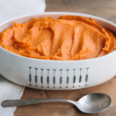 Mashed Sweet Potato Recipe with Maple Pecan Praline Topping