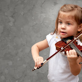 Little Player by Sharon Isern - Babies & Children Children Candids ( violin, child violin )