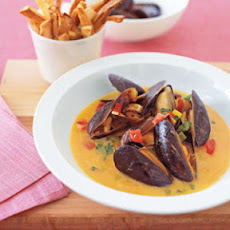Mussels with Oven Fries