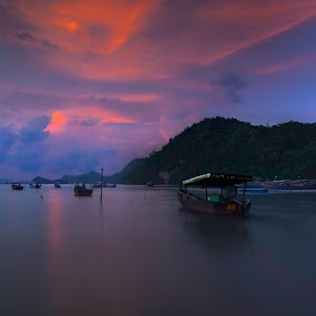 0645am fogging in the morning part II. by Ariff Ismail - Landscapes Sunsets & Sunrises