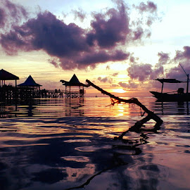 Kenjeran Beach  by Nanang Efendi - Instagram & Mobile Android