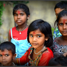 Curious by Prasanta Das - Babies & Children Children Candids ( curious, neighborhood, children )