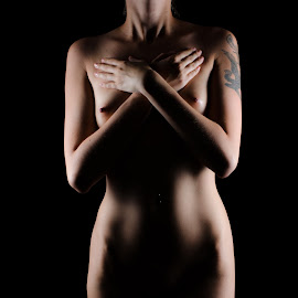 crossed by Ulrik Gilberg - Nudes & Boudoir Artistic Nude ( body, nude, color, female, woman )
