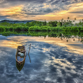 Almost sink by Ipin Utoyo - Landscapes Sunsets & Sunrises