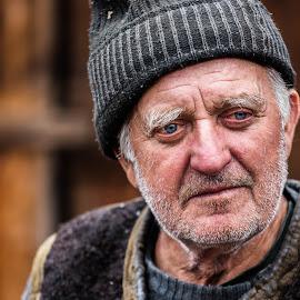 Looking back by George Marcu - People Portraits of Men ( george, maramures, 2014, old man, romania,  )