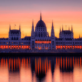 Morning colors of Budapest by Florin Ihora - Buildings & Architecture Public & Historical ( hungary, parliament, budapest, building, sunrise )