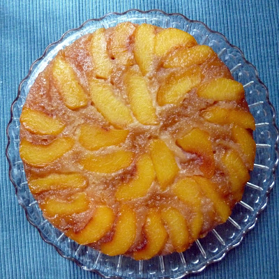 Upside Down Peach Rum Cake Adapted from Allrecipes
