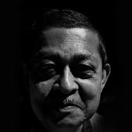 smiling shade by Arnab Bhattacharyya - People Portraits of Men