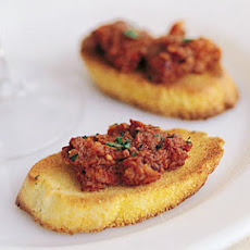 Sun-Dried Tomato Tapenade with Crostini