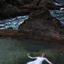 Adrift by Branden de Haas - Digital Art People ( fantasy, model, concept, modeling, art, fine art, conceptual, composite )