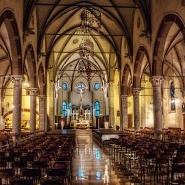 Church of SS. Pietro e Paolo, Varedo by Andrea Conti - Buildings & Architecture Other Interior ( arcades, varedo, milan, interior, monza, italia, church, columns, architecture, worship, italy,  )