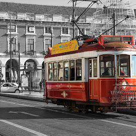 Clássico de Lisboa by Bruno Alx - Transportation Trains ( vintage, electric, terreiro do paço, turismo, tourism, transportation, lisbon, eléctrico, transport, carris, train, portugal, lisboa )