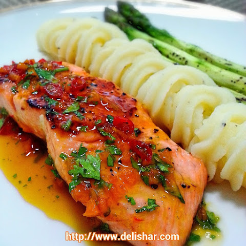 Salmon with Spicy Orange Glaze and Grilled Asparagus Recipe | Yummly