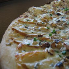 Pear and Gorgonzola Cheese Pizza