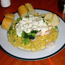 Shrimp Fettuccine in Garlic Cream Sauce