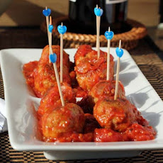 Turkey Pesto Meatballs with Tomato Sauce