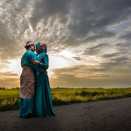 by Mohd Faidzul - Wedding Bride & Groom