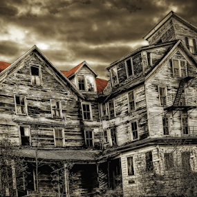 by Doreen Rutherford - Buildings & Architecture Decaying & Abandoned ( selective color, pwc )