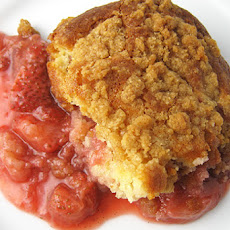 Warm Strawberry Crumb Cake