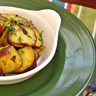 Roasted Red Potatoes with Turmeric and Thyme