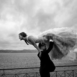 The Lift by Thomas Gudbrandsen - Wedding Bride & Groom