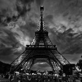 La belle by Jorge Luis - Buildings & Architecture Statues & Monuments (  )
