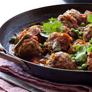 Indian Meatball Curry With Peas