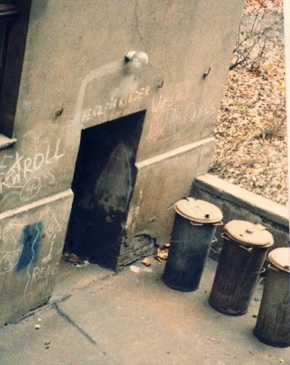 Hinterhof: the entrance to Volker's flat
