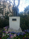Motophant Statue