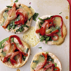 Spinach and Pepper Pita Pizzas