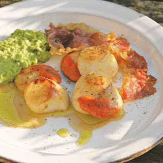 Scallops with Pea Purée and Ham