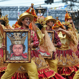 Sinulog 2014 Performers by Ferdinand Ludo - News & Events World Events ( performers, dancing on the street, contestants, sinulog 2014 )