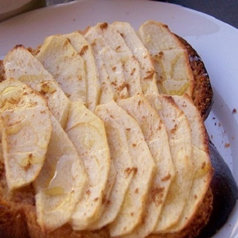 Cinnamon Baked Apple Toast