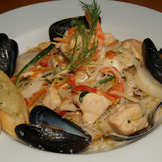 Fettuccine with Shrimp, Scallops and Mussels