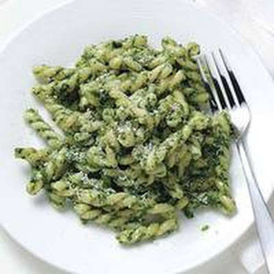 Kale-Walnut Pesto Pasta