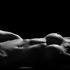 Claire by Steve Smith - Nudes & Boudoir Artistic Nude ( bodyscape.nude.black and white necklace )