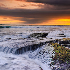 Dramatic Water by Dhika Ajuz - Landscapes Waterscapes ( #waterscape #watershot #beautifulofbali #landscapephotography #waterspecialist #amazingphotos )