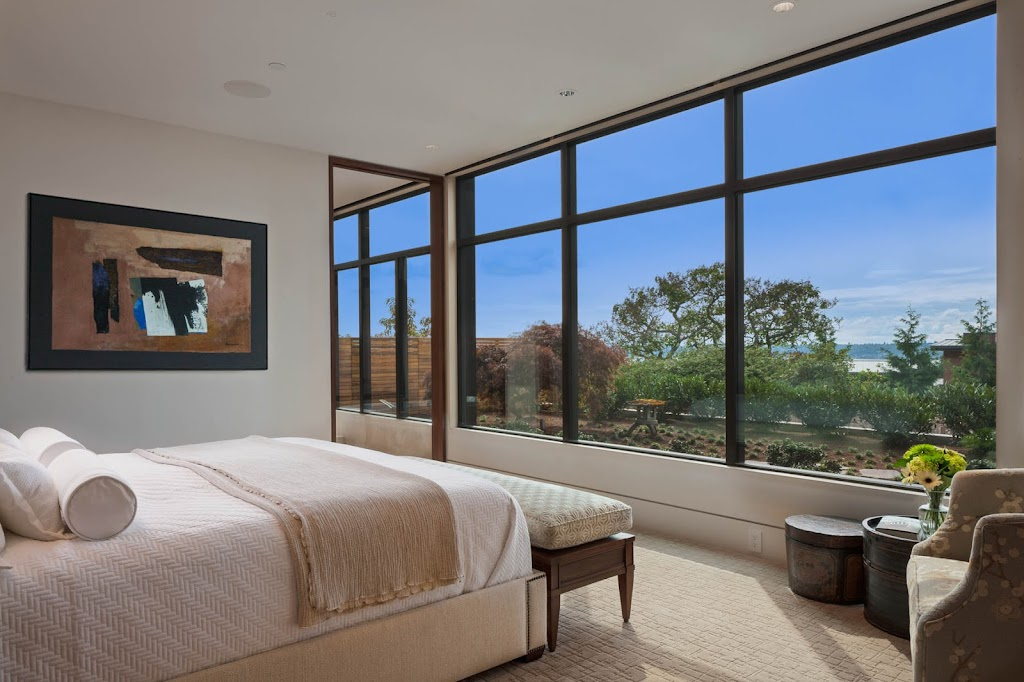 Clyde Hill - Master Bedroom