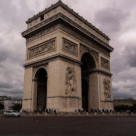Arc de Triomphe by Onur Genes - Buildings & Architecture Statues & Monuments ( victory, de, sky, arc, big, triomphe )