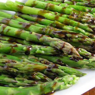 Grilled Asparagus with Roasted Garlic Vinegarette