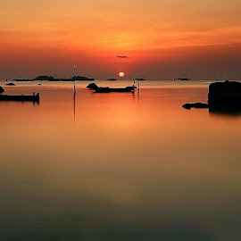 Sun down by Ina Herliana Koswara - Landscapes Sunsets & Sunrises ( water, waterscape, sunset, long exposure, beach )